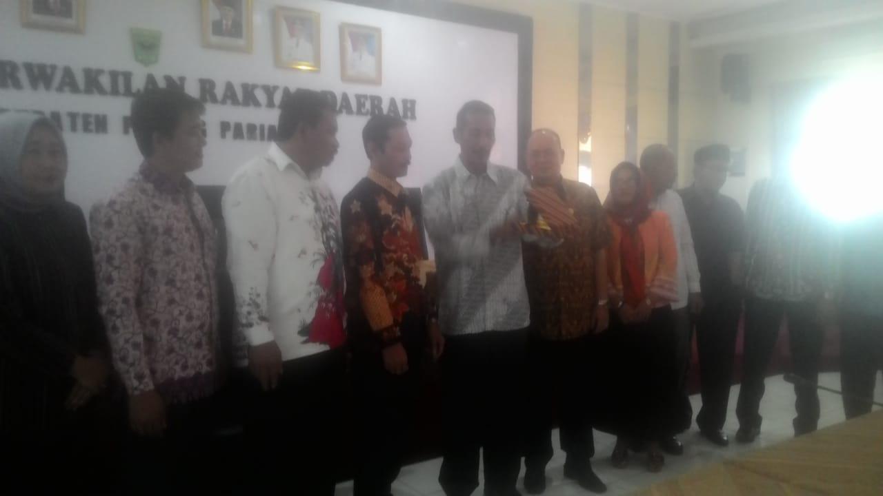 Poto bersama Anggota DPRD Majalengka, DPRD Padang Pariaman dan Pemerintah Padang Pariaman