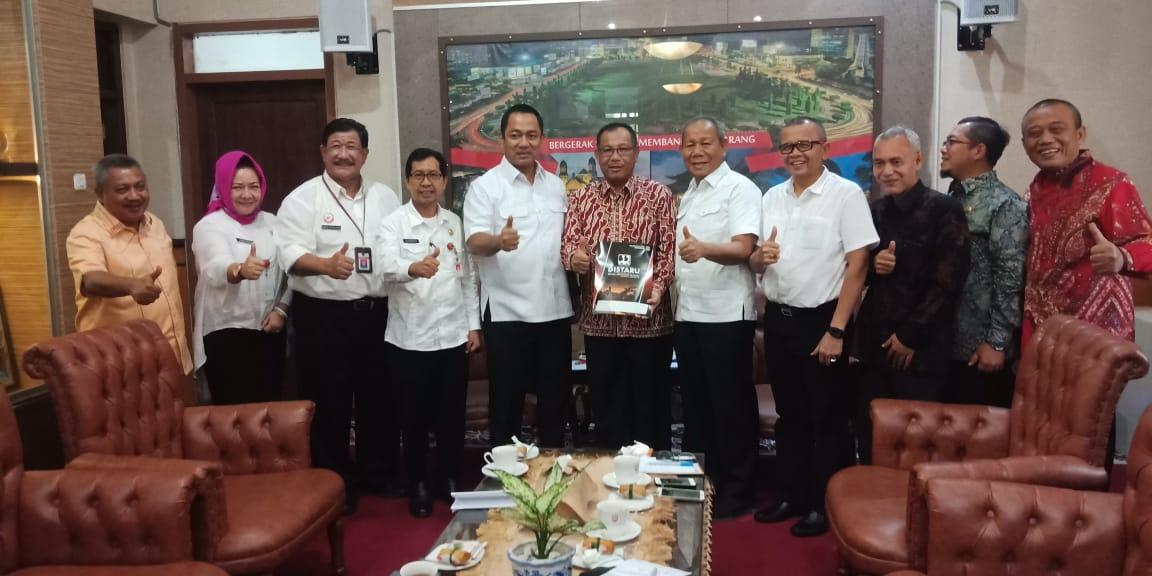 Ket poto : Plt Walikota Medan, Ir H Akhyar Nasution MSi saat Kunjungan Kerja ke Pemkot Semarang. (ist)