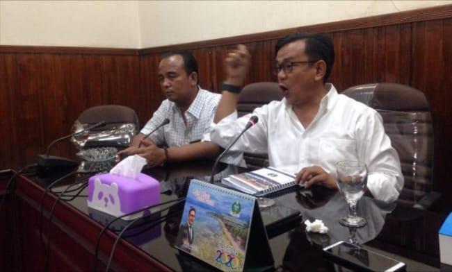 Ket poto : Wakil Ketua DPRD Sibolga, Jamil Zeb Tumori membeberkan kejanggalan temuan penggunaan Anggaran Pendapatan dan Belanja Daerah (APBD) Kota Sibolga tahun anggaran 2020. Pihaknya sampai saat ini belum menerima buku APBD Kota Sibolga tahun anggaran 2020. (ist)
