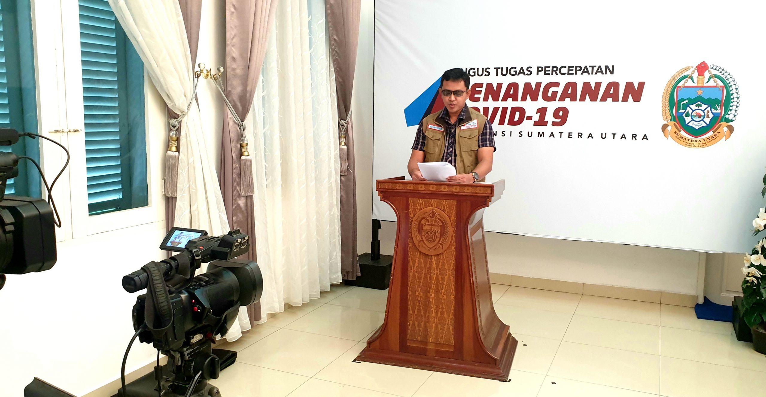 Ket. Foto : Juru Bicara (Jubir) GTPP Covid-19 Sumut Whiko Irwan menyampaikan siaran pers di saluran Youtube Humas Sumut di Kantor Gubernur, Jalan Pangeran Diponegoro Medan, Kamis (21/5/2020). (ist)