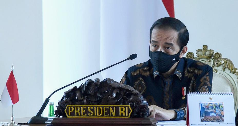Ket foto: Presiden RI, Joko Widodo saat memimpin rapat terbatas mengenai pengarahan Presiden kepada para Gubernur dalam menghadapi pandemi Covid-19. Foto: BPMI Setpres/Rusman